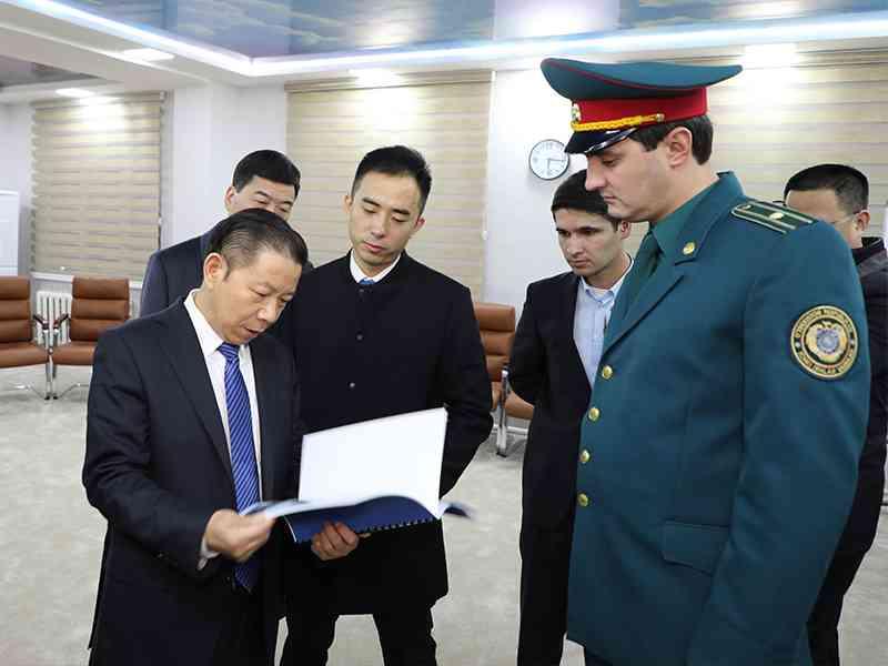 Делегация Управления общественной безопасности г. Чжэнчжоу ознакомилась с деятельностью ГУ…